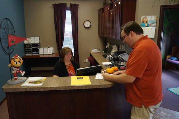 Chiropractic Glen Carbon IL Receptionist Desk